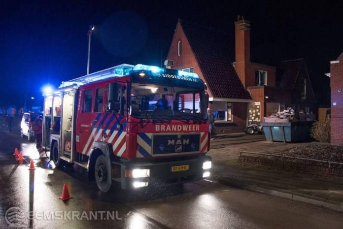 Brandweer Siddeburen blust brand in schuur Damsterweg