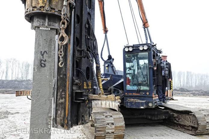 Eerste paal de grond in voor nieuwe Ommelander Ziekenhuis in Scheemda