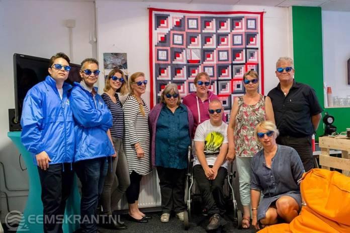 NOVO Overhandigt wandkleed aan stichting DelfSail
