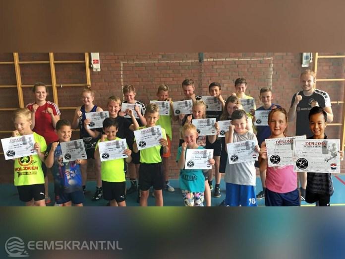 Damster jeugdboksers behalen diploma