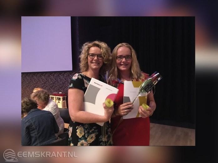Moeder Grietje en dochter Emma Holwerda halen tegelijk mbo-diploma