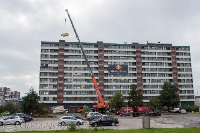 Wethouder en directeur Acantus starten vrijdag 8 december met de sloop van de Vennenflat