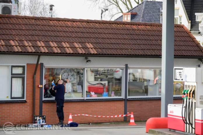 Inbrekers slaan toe bij tankstation aan de Duurswoldlaan in Farmsum