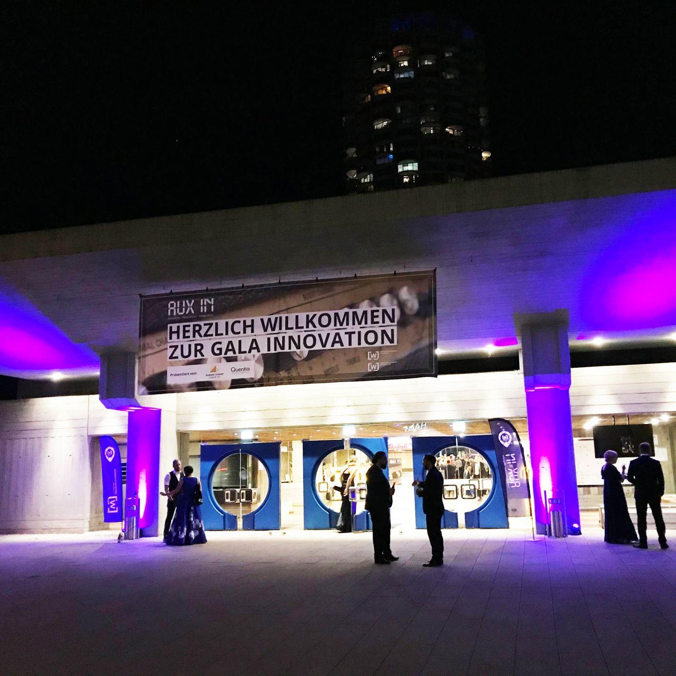 Veranstaltungstechnik - Illumination des Eingangebereichs