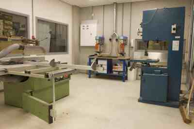 Composite shop Machine room (1)