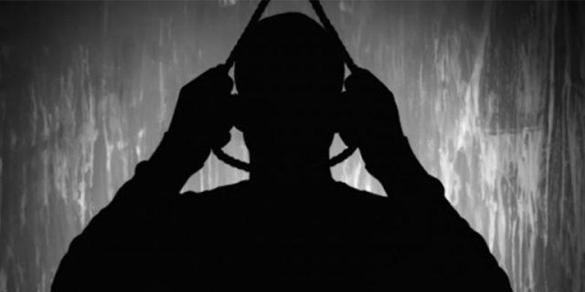 LaPolicía municipal de Tepetlixpa , a bordo de la unidad económica ME-587A-1, informó que en Calle Cerrada de Guerrero #4 Colonia Ferrocarril Municipio de Tepetlixpa, fue encontrada una persona del sexo masculino, muerto por ahorcamiento al interior de un cuarto de lámina y block, que funciona como bodega de 4 x 4 metros.