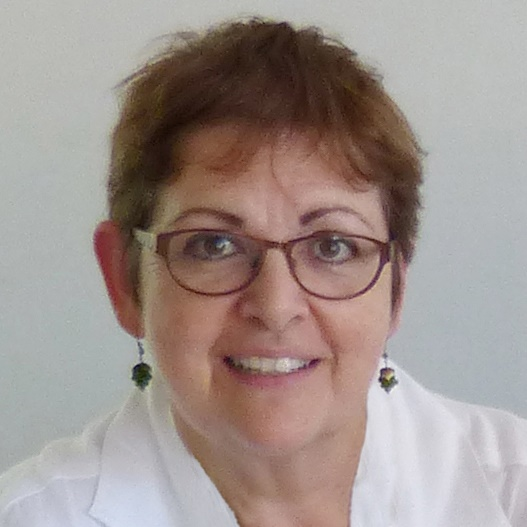 portrait photo of Caroline Jarrett