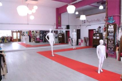 Sala Efímeral: Showrooms, Desfiles, Pasarelas, Exhibición Moda, Pop Up Stores 14