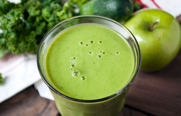 Apple-Kale-Protein-Smoothie_PS_2B