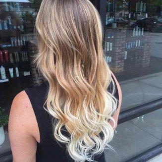 plava kosa sa pramenovima