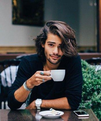 duga kosa kod muškarca