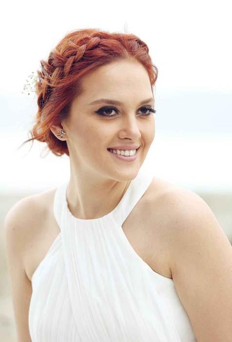 grčka punđa frizura za venčanje
