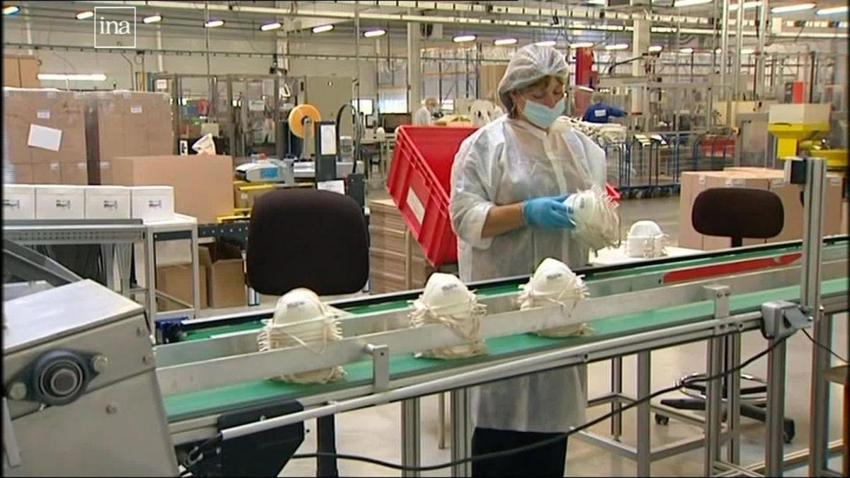 Comment la France a sacrifié sa principale usine de masques basée en Bretagne