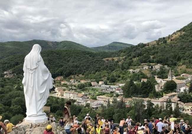 """Christianophobie : des zadistes à l'assaut de """"Notre-Dame des Neiges"""""""
