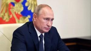 Vladimir Poutine propose un sommet international sur le dossier iranien