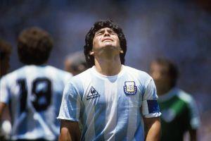 Diego Armando Maradona (30 octobre 1960 – 25 novembre 2020)