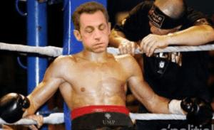 """Acculé dans les cordes, Nicolas Sarkozy joue les victimes de """"sang mêlé"""""""