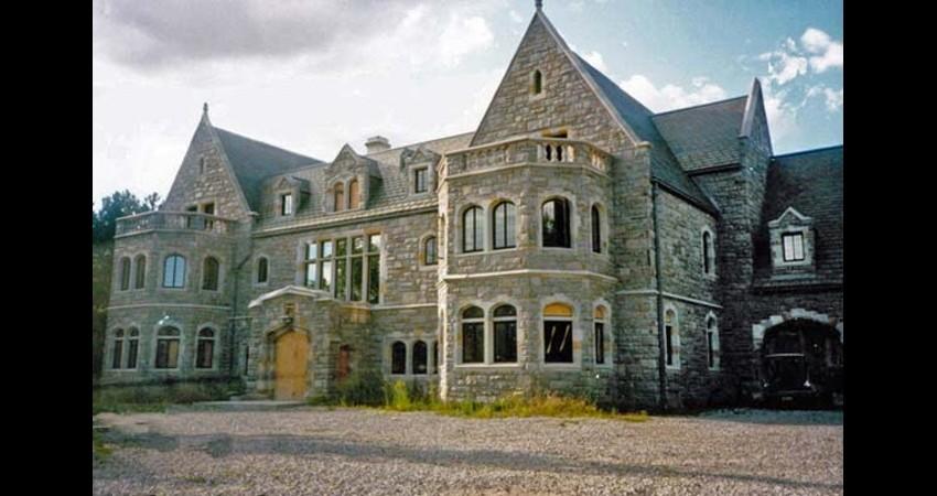 Private Residence Historical Replication Toronto EGD Glass New Work Exterior