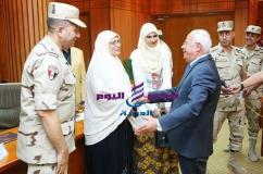 محافظ بورسعيد ورئيس اركان الدفاع الشعبي يشهدان إطلاق المشروع التدريبي