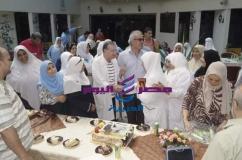 تكريم السيده منال عبد العزيز بمركز جراحة الجهاز الهضمي. |