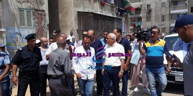 محافظ بورسعيد يتابع سير العمل في اعمال رفع كفاءة الصرف الصحي بمنطقة فاطمة الزهراء |