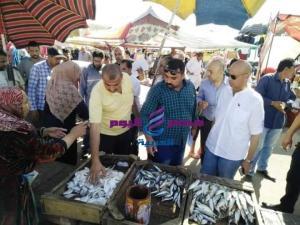 تنفيذا لتوجيهات محافظ_الشرقية مديرية الصحة تشن حملة مكبرة علي الأسواق بالعاشر من رمضان |