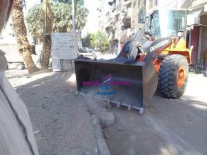 حملة نظافة بشارع سيالة بدران بمنطقة حي شرق الأقصر.