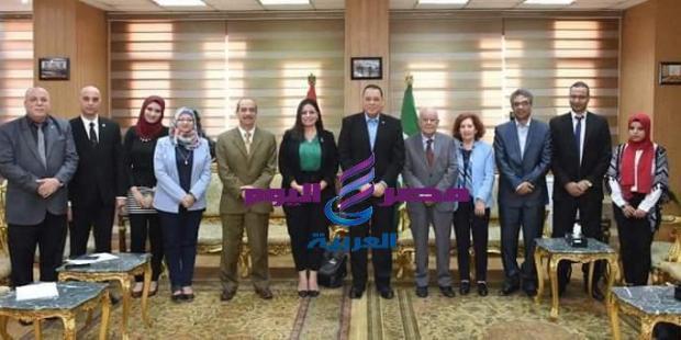 إجتماع مساعد وزير الأثار ورئيس قطاع المتاحف مع محافظ الشرقيه والبروفيسور كورادوا باسيلي استاذ البرديات |