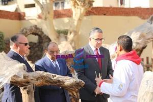 وزير الأثار والسياحة يتفقد أعمال التطوير الجارية بشجرة السيدة مريم العذراء بالمطرية -