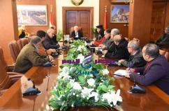 محافظ بورسعيد يلتقى رؤساء الأحياء بشأن متابعة سير العمل فى أحياء المحافظة |