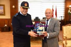 محافظ بورسعيد يستقبل قائد القوات البحرية |