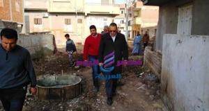 محافظ الشرقية يُتابع تنفيذ مشروعات بقطاعي التعليم والصرف الصحي بقرية الدهتمون بأبوكبير | محافظ الشرقية