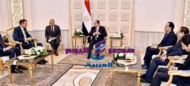 السيسى مع رئيس شركة بريتيش بتروليوم BP خلال مؤتمر مصر الدولى للبترول - بتروليوم