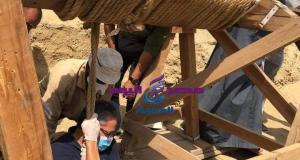 الكشف عن بئر عميق للدفن به أكثر من 13 تابوتا آدميا مغلقاً بمنطقة آثار سقارة | بئر عميق