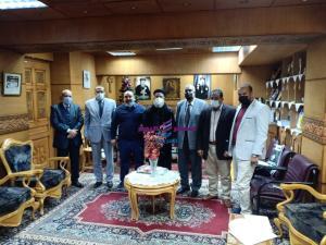 القمص بطرس يستقبل الدكتور جمال الهلفى عميد كلية الدراسات الاسلامية بدسوق   بطرس