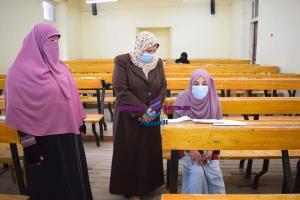 عميدة الدراسات الاسلامية متابعة امتحانات الفصل الدراسي الأول للعام الجامعي