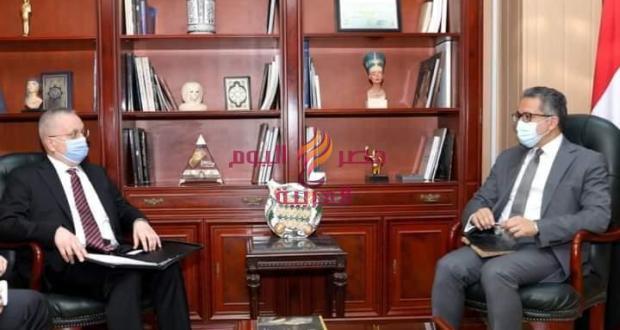 وزير الآثار يستقبل السفير الروسي للتأكيد على إستعداد مصر لاستقبال السياح الروس | وزير