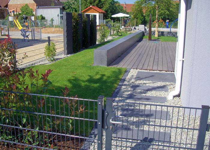 Gartengestaltung Mit Beton Sichtschutz Aus Beton Schwarzer Beton Sichtschutzelemente Betonfertigteile