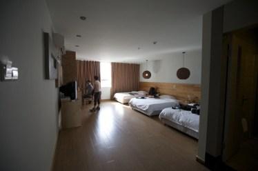 本來預訂五星級之萊斯酒店,但由於早前更改出發日期,酒店爆滿,轉往觀山新概念酒店。
