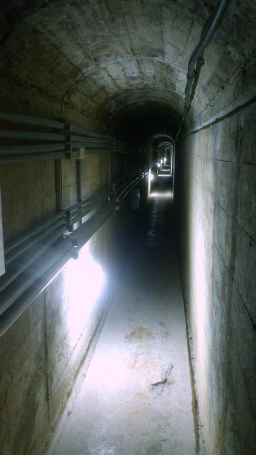 金城鎮民防坑道設有體驗路段 -- 睇睇頁底 video 體驗一下。