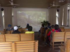 借用政府提供的單車前,先要看影片,學習單車安全知識,及了解金門的自然環境。