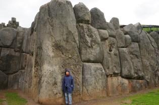 堡壘就是用這種巨大石塊建造。