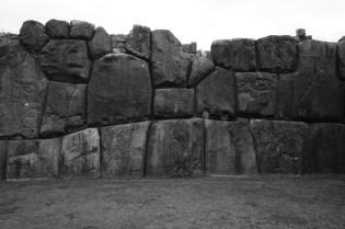 Sacsayhuaman 的巨石。