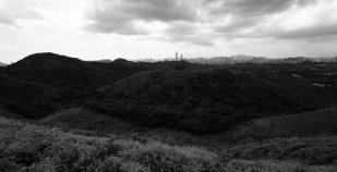 華山山脊遠望深圳市區。