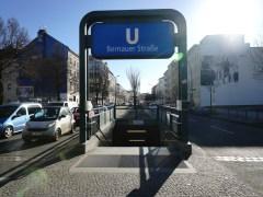 Bernauer Straße 地鐵站。