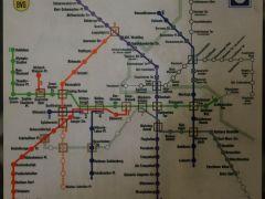 地鐵站路線圖顯示過去數個「Ghost Station」的位置