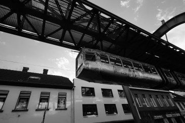 Wuppertal 的架空列車。