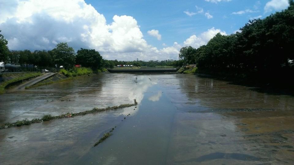 山貝河 -- 往前約半公里就是當年捉到小鱷魚貝貝的位置。