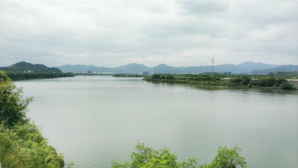 最後 30km 沿梅江而下。