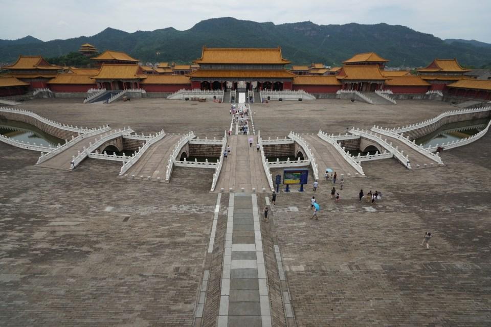 說實話,紫禁城(明清宮)的確造得和北京那個九成相似。